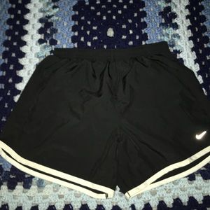 Nike Girl's Dry Tempo Shorts